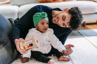 Se requieren hombres de 25 a 35 años que tengan bebés pequeños para proyecto en Barcelona