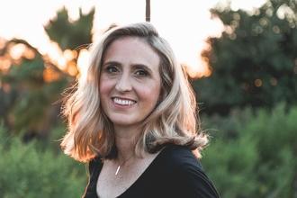Se busca mujer modelo de peluquería de 35 a 45 años para proyecto remunerado