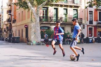 Se precisan niños negros de 10 a 12 años que sepan jugar al fútbol para rodaje en Barcelona