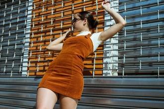 Se necesitan hombres y mujeres modelosde 25 a 35 añospara publicidad en Madrid