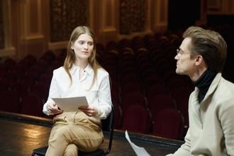 Se solicitan actores de 25 a 35 añospara teatro en Madrid