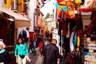 Se convocan extras mujeres y hombres de todas las edades y etnias en Granada