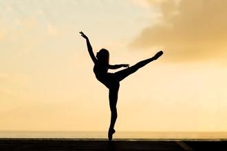 Se selecciona bailarina clásica para spot publicitario