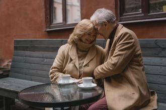 Se convoca pareja de 55 a 66 años para interpretar abuelos en publicidad en Madrid