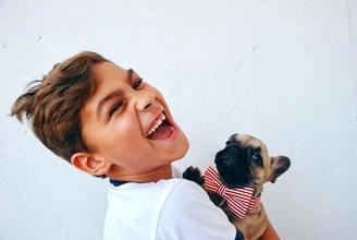 Se buscan niños y niñas que tengan mascotas para anuncio de TV