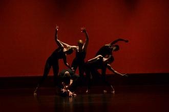 Se convocan bailarines/as para diferentes producciones en funcionamiento en Alicante