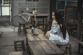 Se requiere mujer asiática de aproximadamente 35 años para publicidad