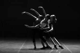 Se requieren bailarines/as de 18 años en adelante para compañía en Madrid