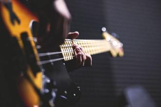 Se solicitan músicos de 22 a 55 años para serie de TV en Vigo