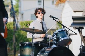 Se solicitan artistas de percusión para fiesta de noche en Alicante
