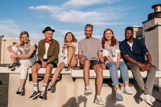 Se buscan personas de todas las edades para figurar en serie TV en Ferrol