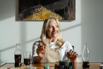 Se busca mujer de 65 a 75 años para publicidad en Barcelona