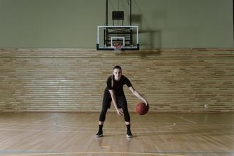 Se solicitan mujeres que pratiquen baloncesto de 20 a 30 años para rodaje publicitario en Barcelona