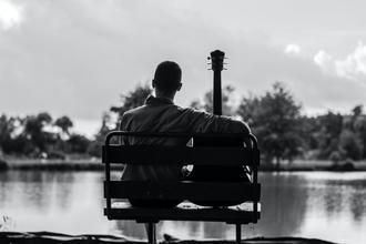 Se requiere actorguitarrista de 25 a 35 añospara largometraje en Sevilla