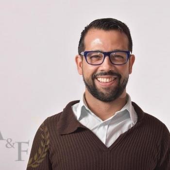 Marco, actor, director y dramaturgo teatral con gran trayectoria